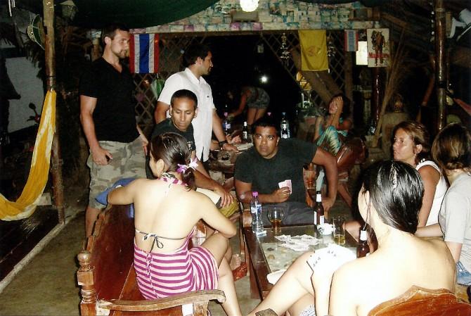 Lotsa People Thong Nai Pan